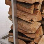 CLP Étagère porte bois de cheminée SIDONE à la construction stable en acier inoxydable porte-bûches moderne pieds en plastique dur pour protèger sol, disponible en 7 tailles différentes 80 x 40 x 50 cm (H x L x L) de la marque CLP image 3 produit