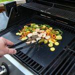 Seacue Tapis de Cuisson, Set de 5 Tapis de Cuisson pour Barbecue et Four- 40cm*33cm Feuilles Anti-adhérent de BBQ et Feuilles de Cuisson réutilisable pour les barbecue à gaz, Charbon ou électriques de la marque Seacue image 4 produit